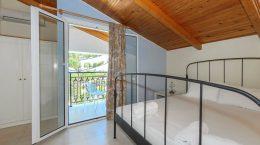Denise Studios & Apartments